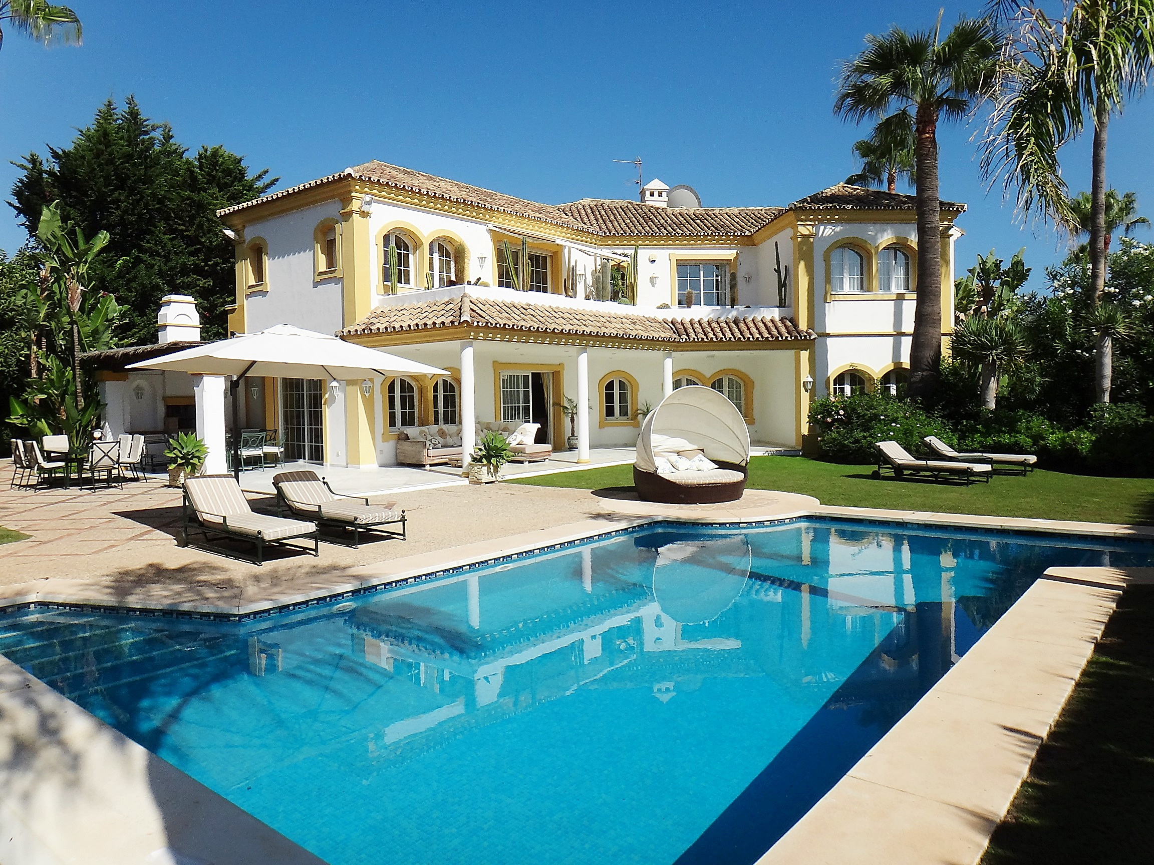 Detached Beachside Villa