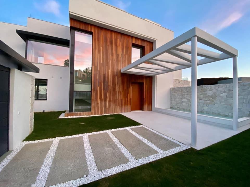 Contemporary Detached Villa – La Quinta