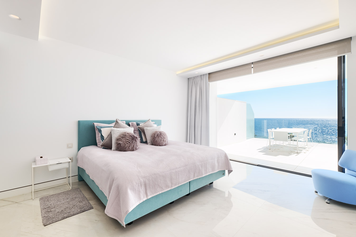 Front Line Beach Apartments – Emare