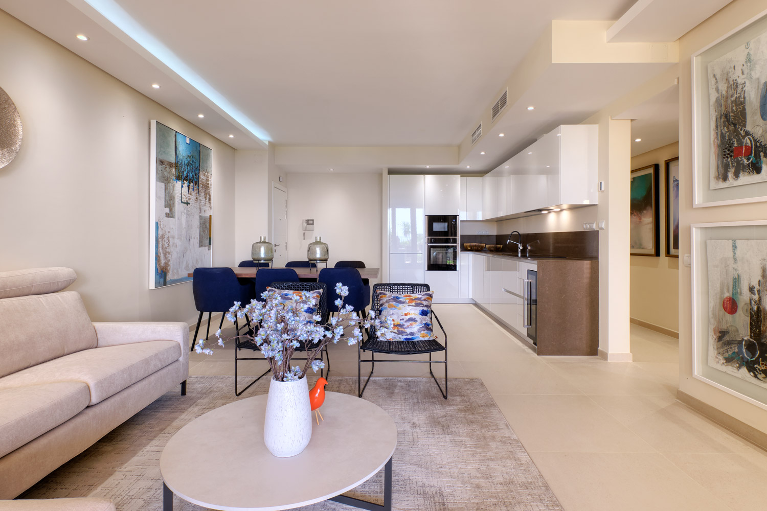 Renovated frontline beach apartment