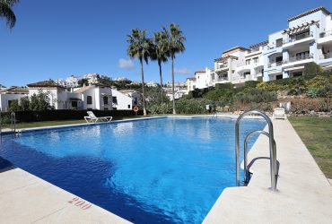 Quality Apartment in the popular Los Arqueros Country Club