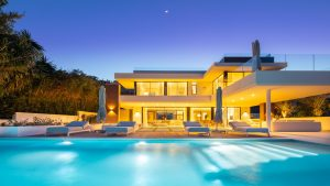 og:image LA style home in the Golf Valley